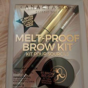 💖NWT Anastasia Beverly Hills Melt Proof Brow Kit
